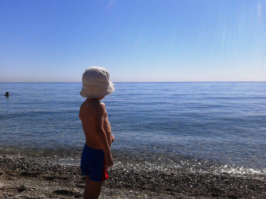 Дети на пляже в Кемере