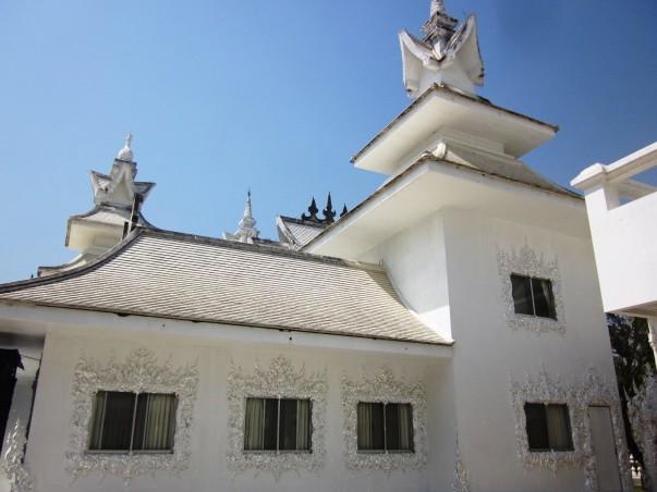 Строительство Белого Храма в Чианг Рае