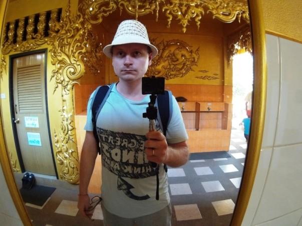Золотой туалет в Белом Храме