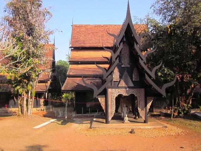 Черный Храм в Чианг Рае