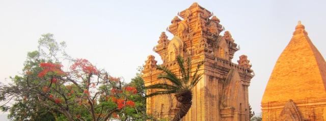 Экскурсия вбашни Понагар (Чамские башни), Нячанг