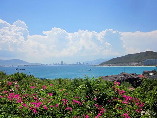 Вид на Нячанг с острова Винперл