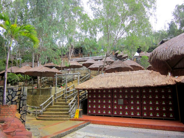 Грязевые источники Тхап Ба Спа в Нячанге (Вьетнам)
