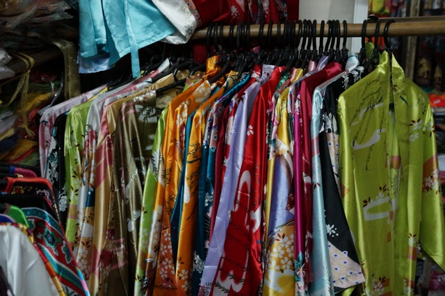 Шелковые халаты во Вьетнаме