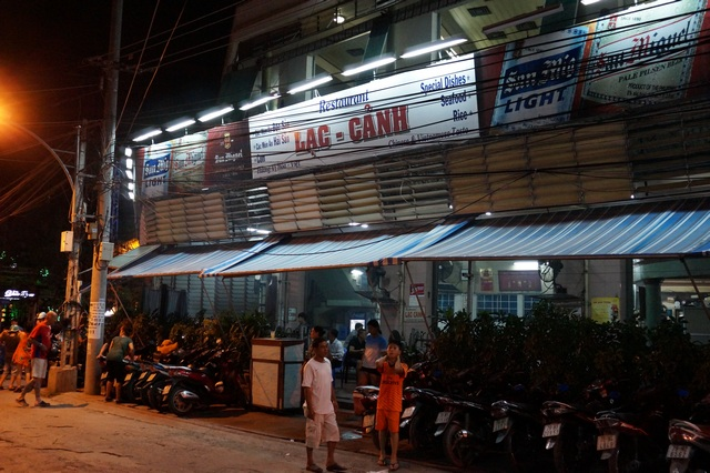 ресторан Nhà Hàng Lạc Cảnh