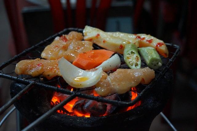 Барбекю во вьетнамском ресторане