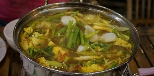 Где поесть вНячанге #2: Вьетнамский ресторан Lẩu Cá Kèo 2 Tôm