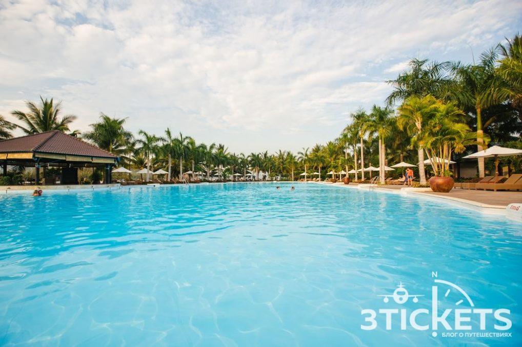 Отели в Нячанге, где нет волн зимой: Diamond Bay Resort & Spa