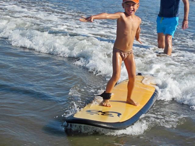 Обучение серфингу на Бали детей