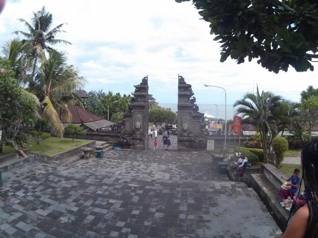 Храм на Бали Пура Танах Лот