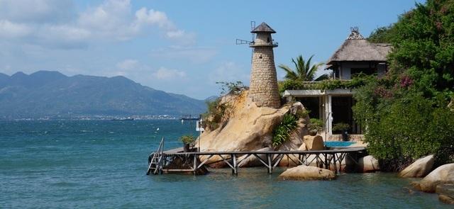 Достопримечательности Камрани: храм изракушек TuVan иСекретный пляж