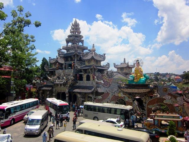 Достопримечательности Далата (Вьетнам): пагода Линь Фуок