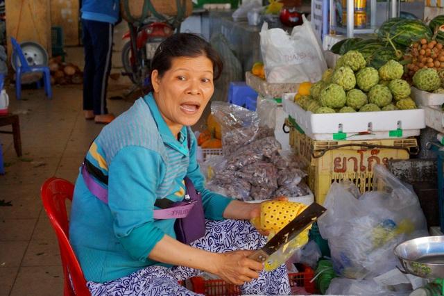 Торговцы на рынке Вьетнама