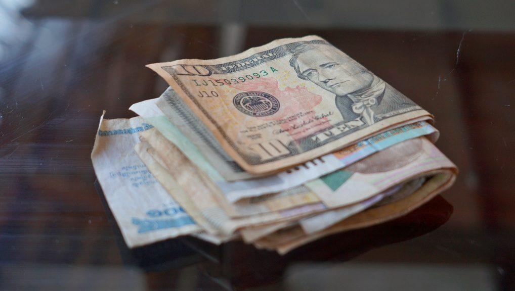 Валюта в Камбодже