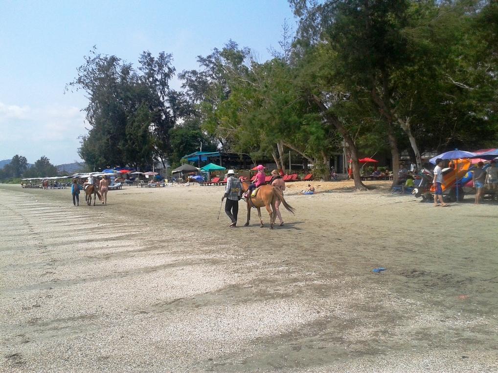 Городской пляж Хуахина