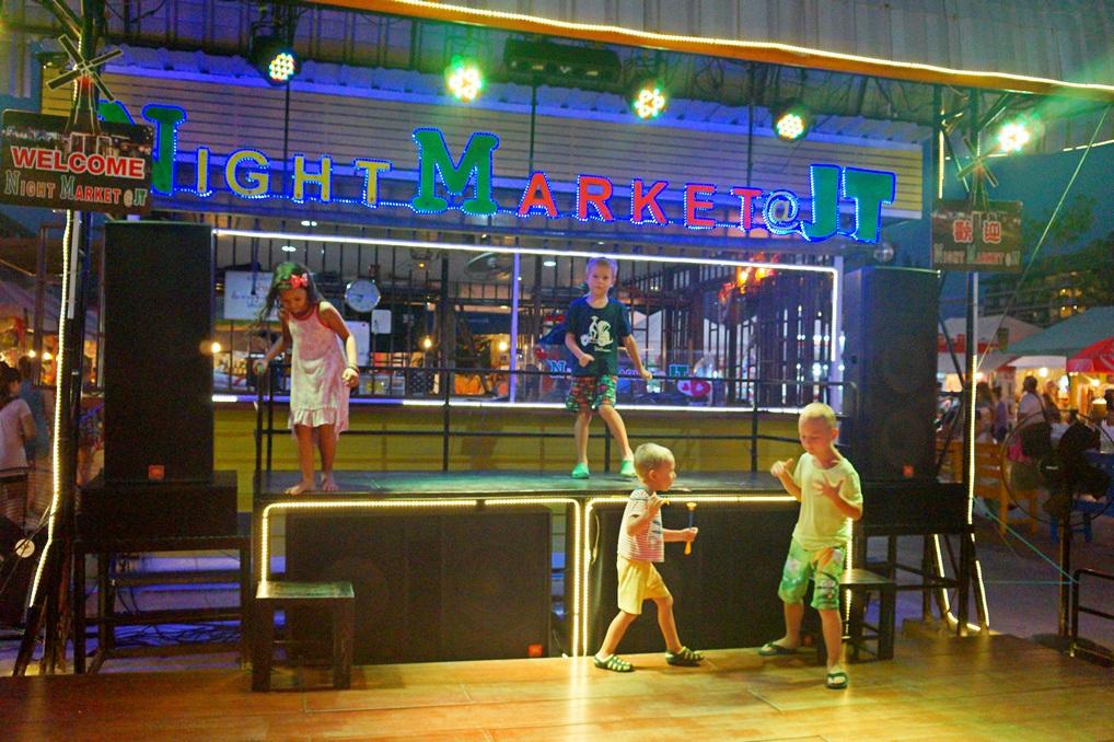Ночной рынок в Паттайе (Джомтьен)