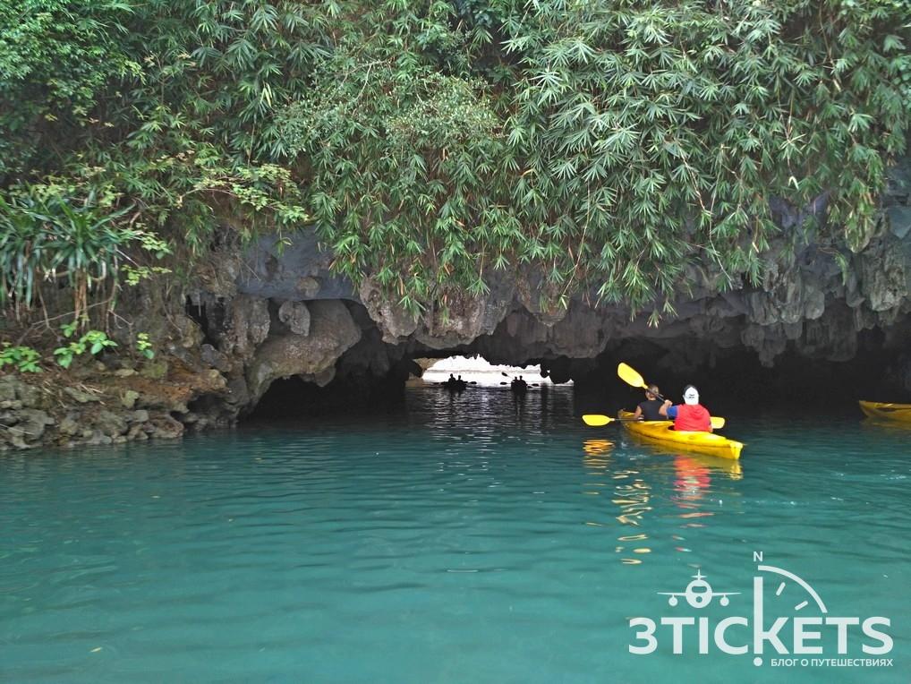 Каякинг в бухте Халонг, пещеры и лагуны: фото