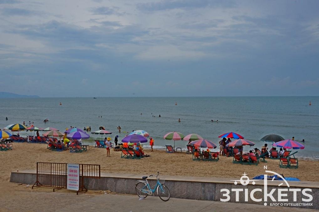 Набережная заднего пляжа в Вунгтау: фото