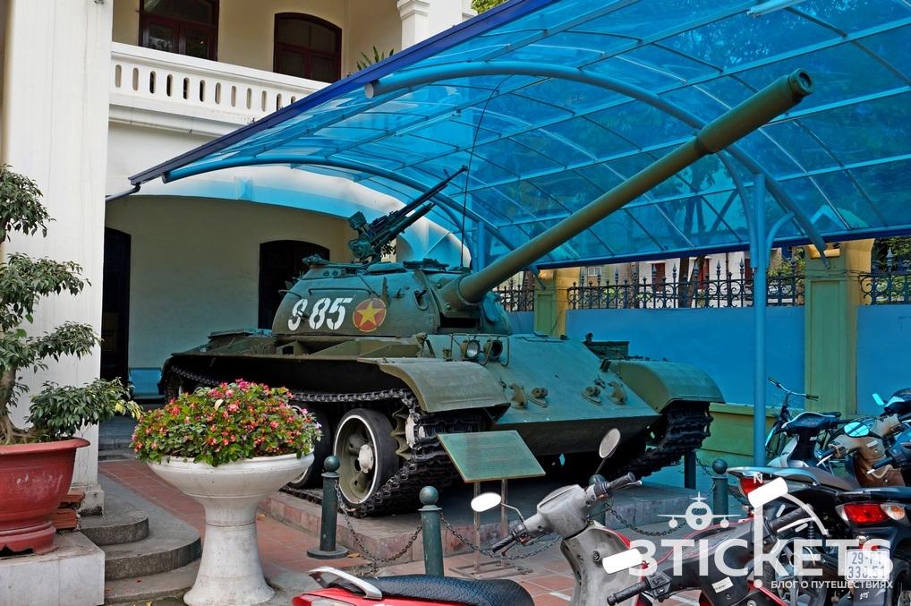 Военный музей в Ханое