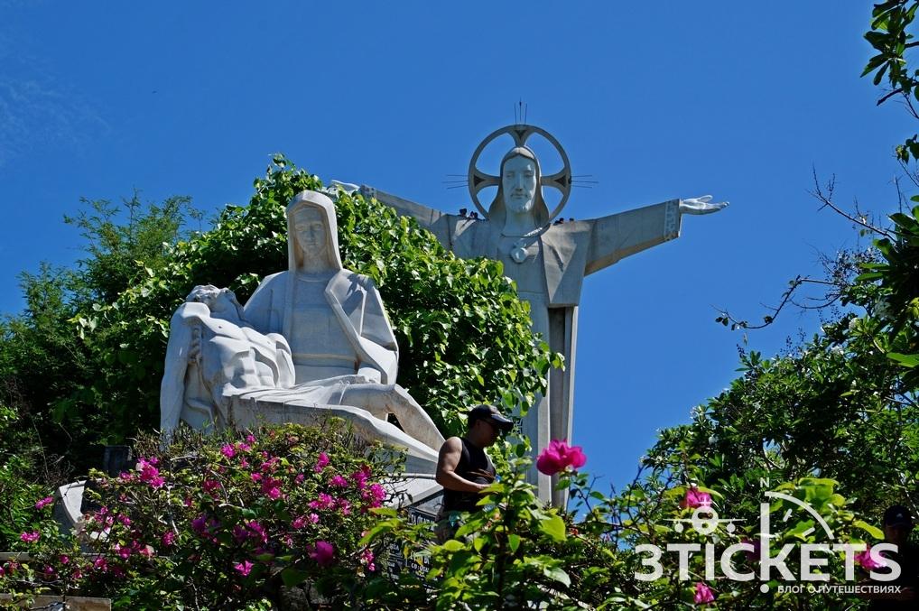 Статуя Иисуса Христа в Вунгтау, Вьетнам