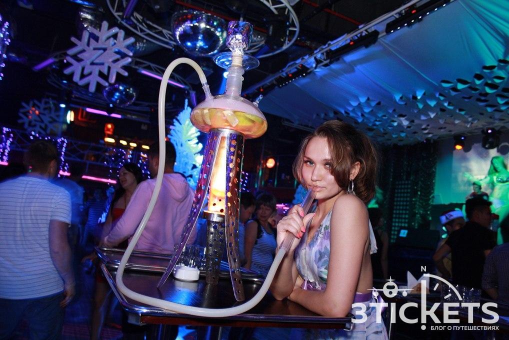 Ночной клуб Zima в Нячанге