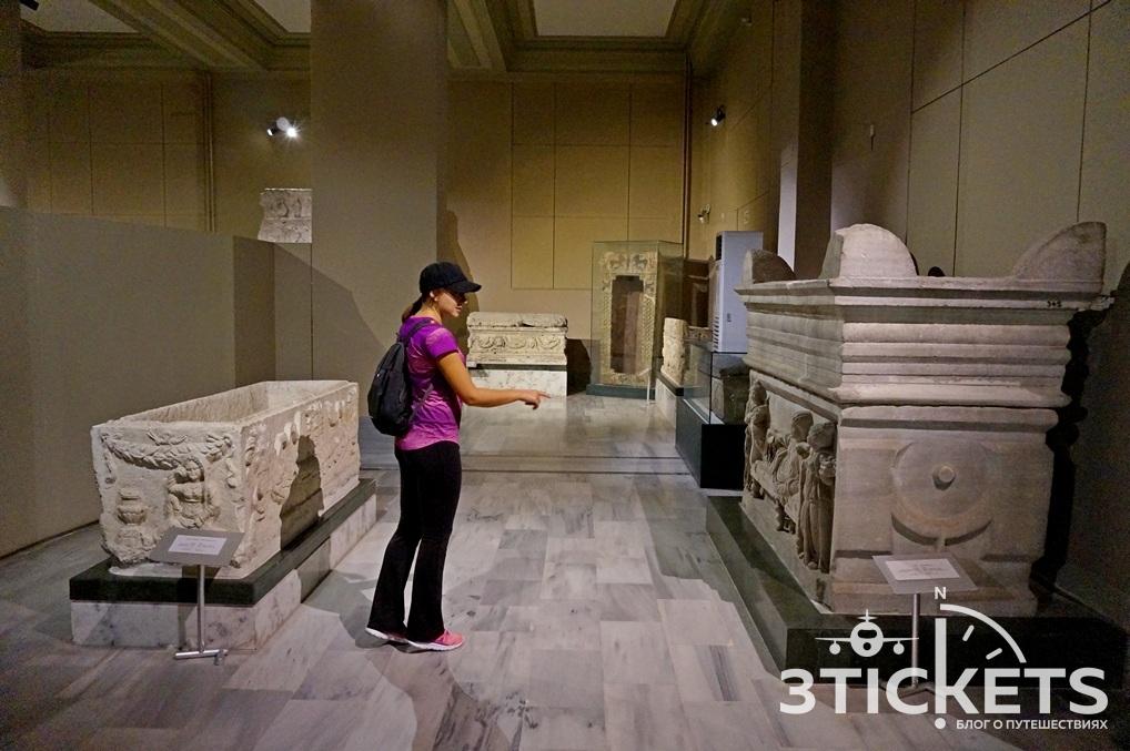 Гробницы в музее Стамбула