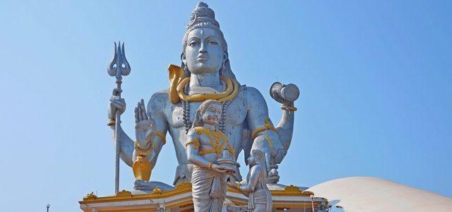 Статуя Шивы вМурдешваре ипочему мынепопали вГокарну инапляж Ом
