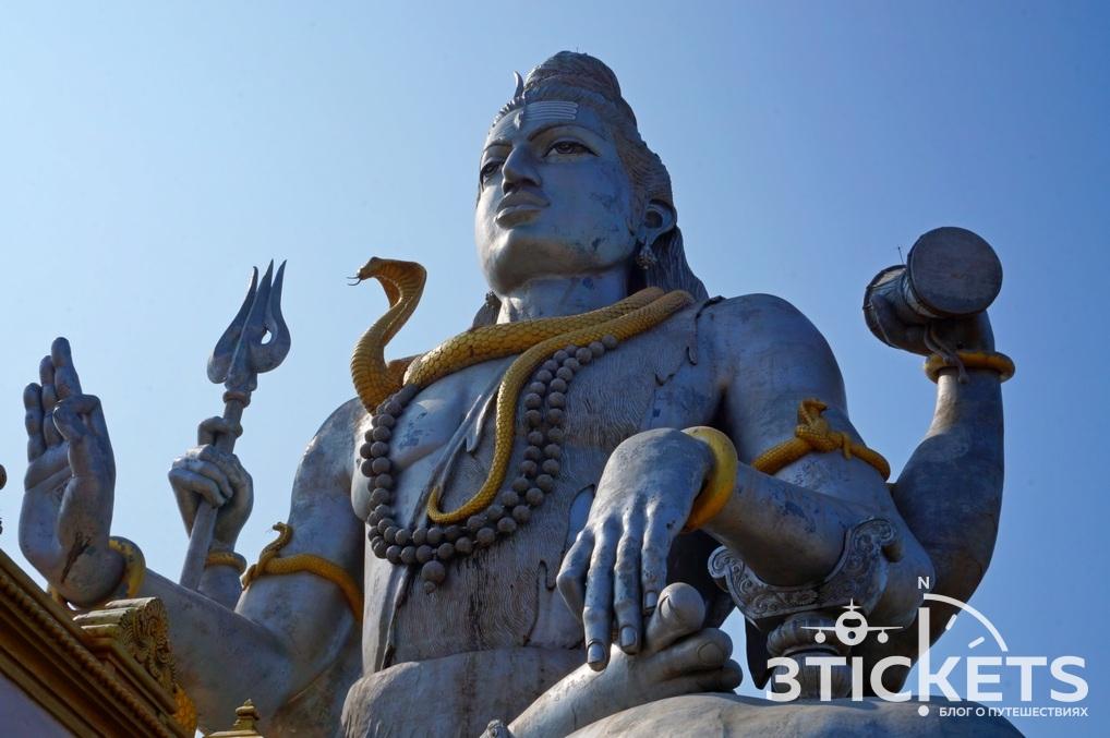 Экскурсия в Мурдешвар из Гоа, статуя Шивы