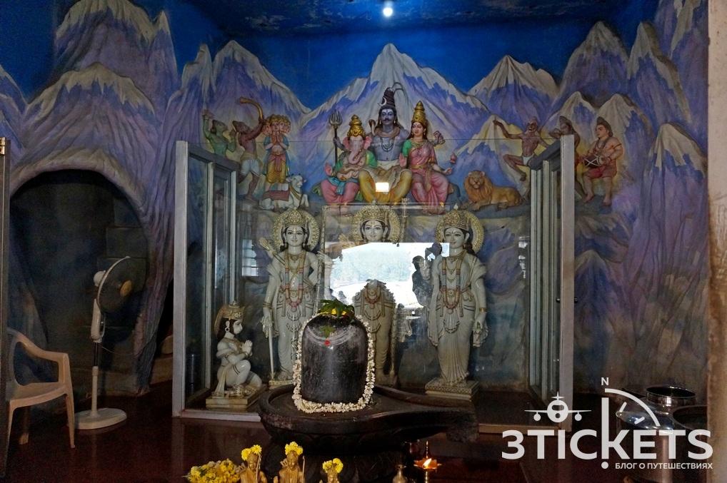 Статуя Шивы в Мурдешваре, Карнатака, экскурсия из Гоа