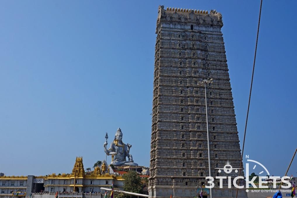 Храм Шивы в Мурдешваре, штат Карнатака, Индия