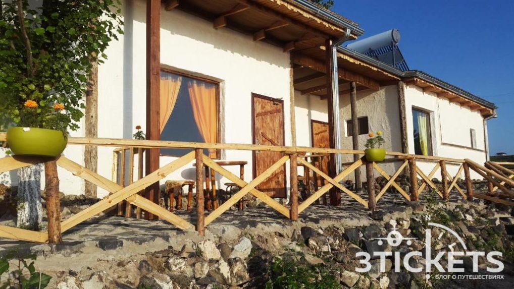 Отель Лаваш на озере Севан