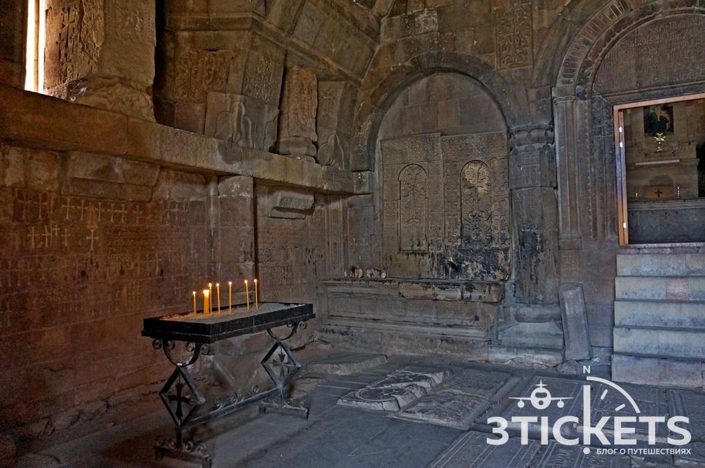 Монастырь Нораванк в Армении: церковь Сурб Карпет