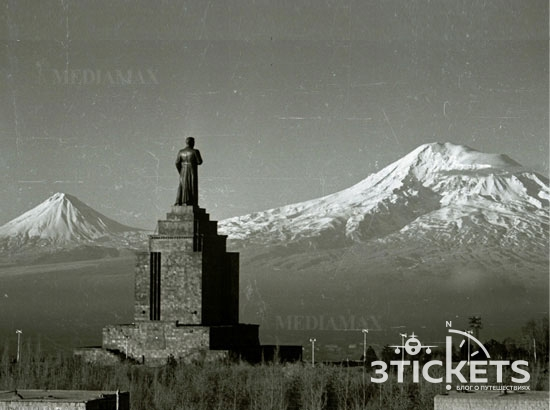 Монумент Сталина в Ереване