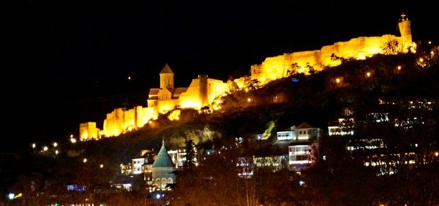 Старинная крепость Нарикала: неприступная цитадель, возвышающаяся над Тбилиси