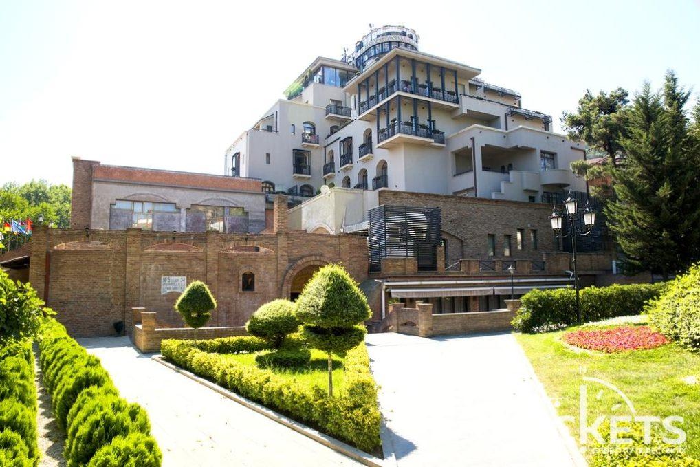 Отель Тифлис Палас в Тбилиси