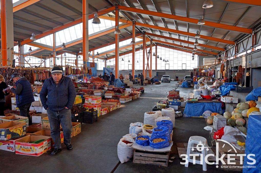 Дезертирский рынок в Тбилиси