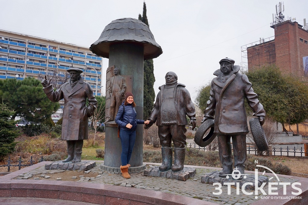 Памятник Мимино в Тбилиси