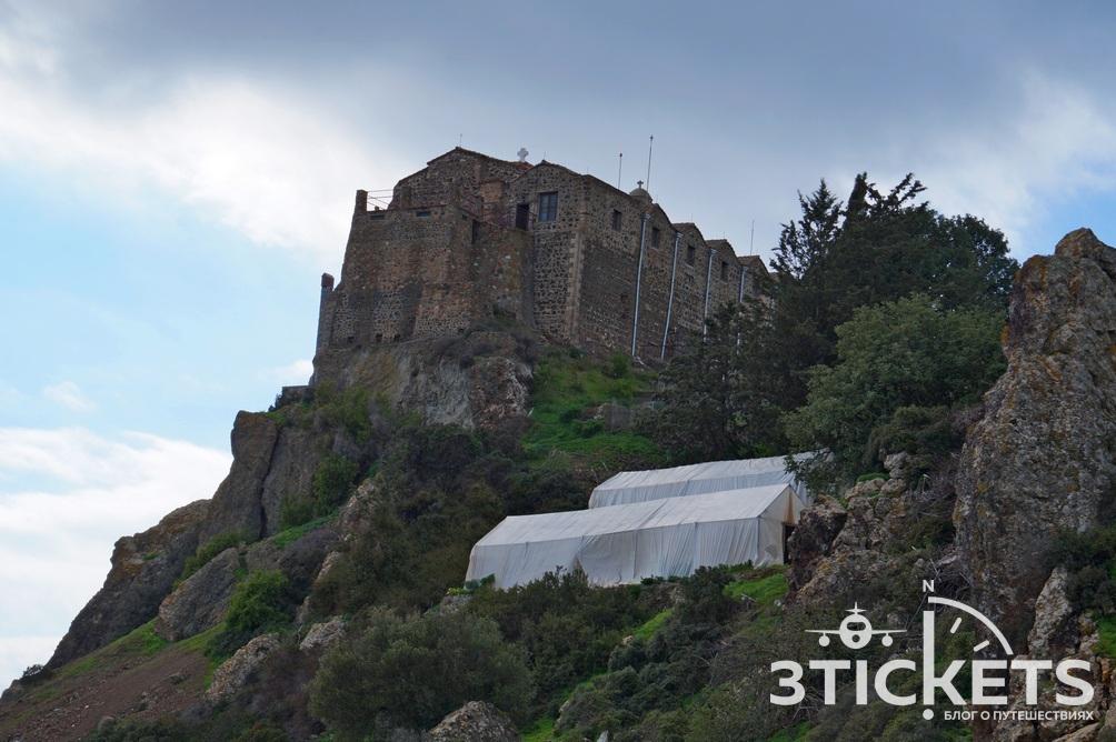 Монастырь Ставровуни в Ларнаке, Кипр