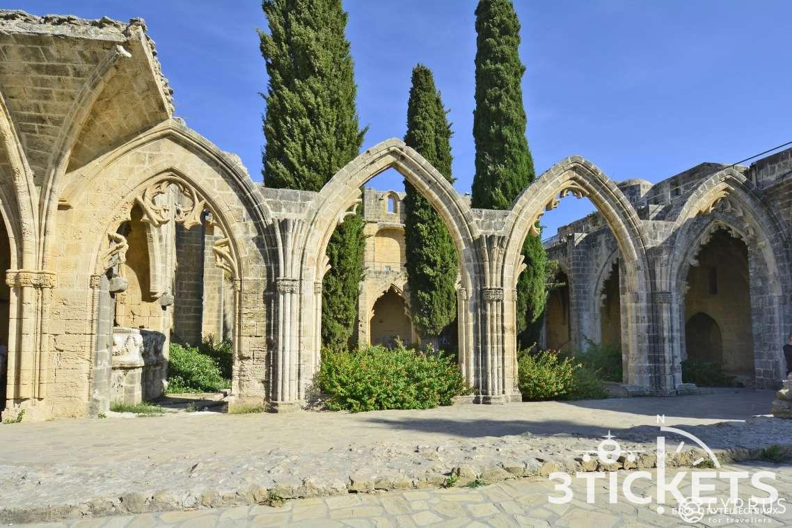 Аббатство Беллапаис в Кирении, Северный Кипр