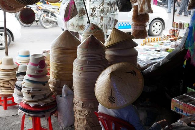 Вьетнамские пальмовые шляпы