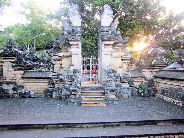 Храм Улувату (Uluwatu Temple) на Бали