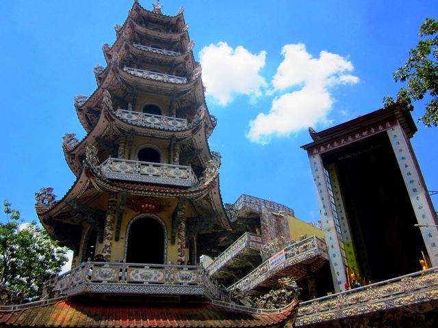Пагода Линь Фуок (Linh Phuok) в Далате (Вьетнам)