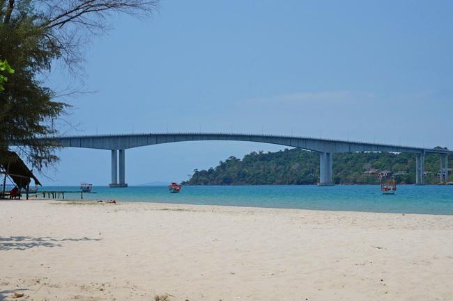 Пляж Гаваи в Сиануквиле (Камбоджа)