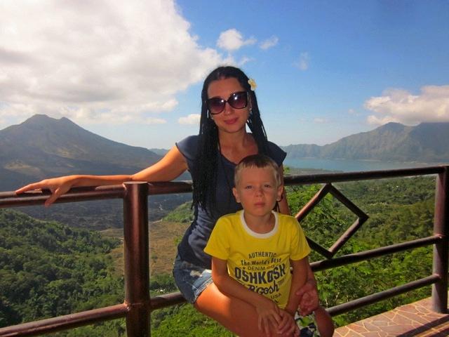 Вулкан и озеро Батур на острове Бали