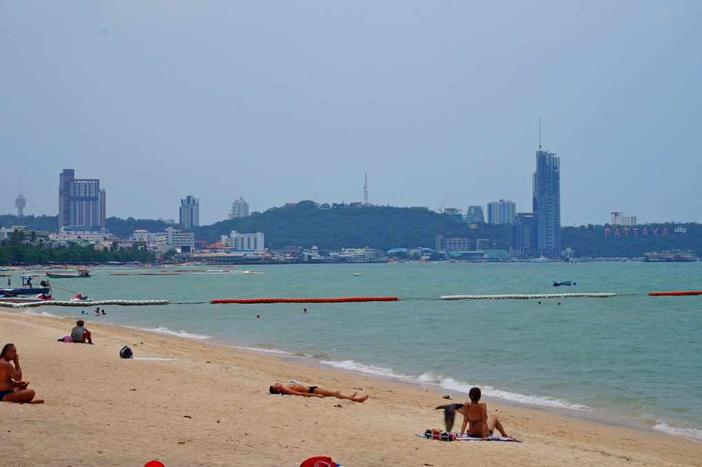 Пляжи в центре Паттайи