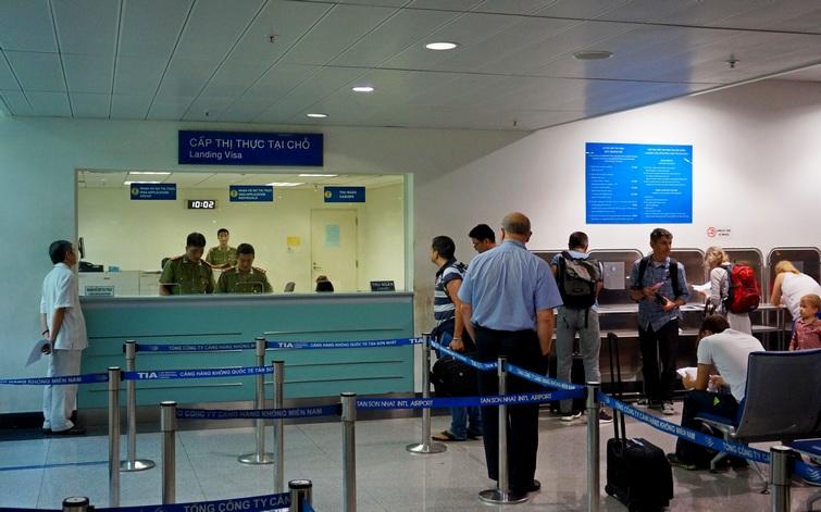 Получение визы в аэропорту Хошимина