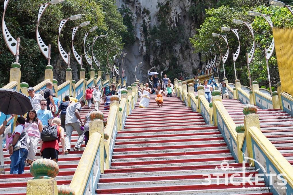 Пещеры Бату (Batu Caves): природная достопримечательность Куала-Лумпура (Малайзия)