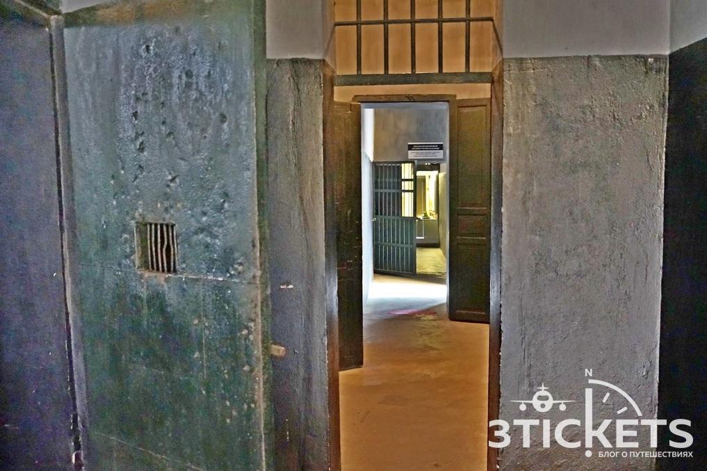 Ханой Хилтон: музей-тюрьма во Вьетнаме