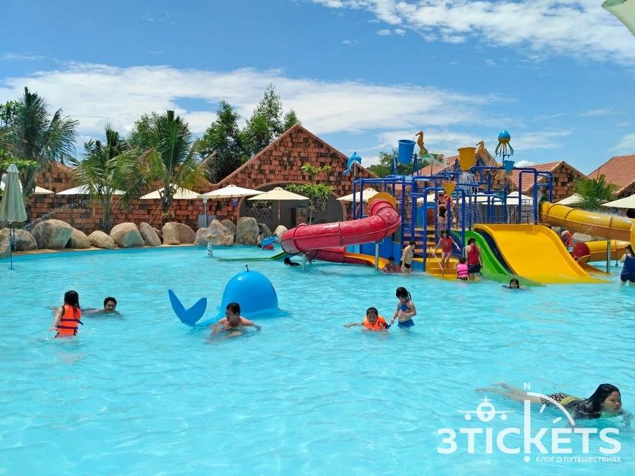 Детские аквапарк и водные горки в Ай Резорт, Нячанг: фото