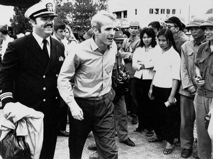Джон Маккейн в плену во Вьетнаме: фото